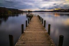 Les eaux calmes de Coniston image libre de droits
