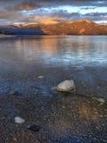 Les eaux claires du lac pend Oreille photos libres de droits