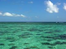 Les eaux de turquoise Photo libre de droits