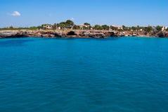 Les eaux de turquoise de la mer Méditerranée, Majorca Photographie stock libre de droits