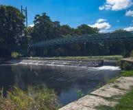 Les eaux foncées de la rivière de Stour Image libre de droits