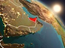 Les Emirats Arabes Unis de l'espace pendant le lever de soleil Image stock