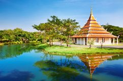 Les empreintes de pas de boîtier de Mondop de Bouddha, Thaïlande Photographie stock libre de droits