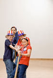les enfants américains marquent s'user de chapeaux Images libres de droits