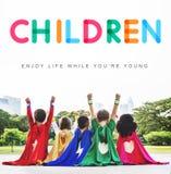Les enfants apprécient le jeune concept d'âge de la vie photographie stock libre de droits