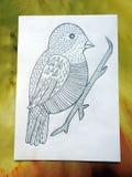 Les enfants ont peint le bel oiseau, Lithuanie photo stock