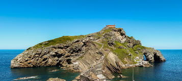 Les environs et l'ermitage particuliers de Sant Juan de Gaztelugatxe Photos libres de droits