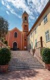 Les escaliers à l'entrée de l'église de St John le baptiste photos stock