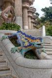 Les escaliers de lézard garent le guell, Barcelone, Espagne Photo libre de droits