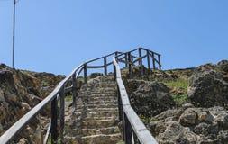 Les escaliers ont visé le ciel photo libre de droits