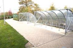 Les espaces indiqués pour le vélo image stock