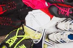 Les espadrilles, l'habillement de sport et un régime prévoient Photo stock