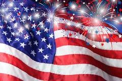 Les Etats-Unis diminuent avec le fond de feux d'artifice Photo stock