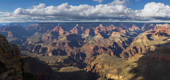 Les Etats-Unis Grand Canyon sur le fleuve Colorado Photos stock