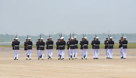 Les Etats-Unis Marine Corps Silent Drill Team Images stock