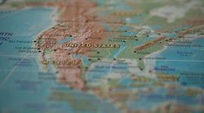 Les Etats-Unis sur la carte Les Etats-Unis sur la carte du monde Photos stock
