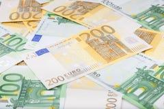 Les euro billets de banque ont réparti le plancher - devise européenne Photographie stock