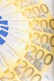 Les euro billets de banque ont réparti le plancher - devise européenne Image stock