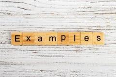 Les EXEMPLES expriment fait avec le concept en bois de blocs Photos libres de droits