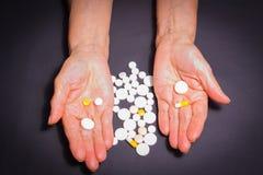 Les experts avec des pilules Image stock