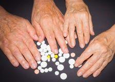 Les experts avec des pilules Images libres de droits