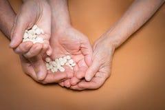 Les experts avec des pilules Photo stock