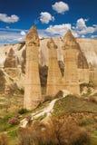 Les falaises en pierre ressemble aux maisons d'une fée en vallée d'amour Images libres de droits