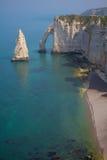 Les falaises s'approchent d'Etretat, France, Normandie Photos libres de droits
