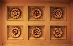 Les fausses fleurs sculptent images libres de droits