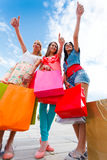 Les femmes aiment faire des emplettes Photo stock