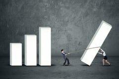 Les femmes d'affaires établissent le graphique de gestion photo stock