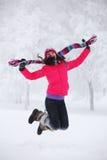 Les femmes de l'hiver sautent Images libres de droits