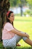 Les femmes enceintes d'Asiatique de mode tirent la photo de portrait dans le Gard Photographie stock libre de droits