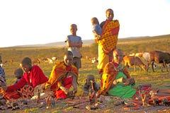Les femmes et les enfants de Masaii Images libres de droits
