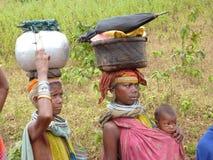 Les femmes tribales de Bonda posent pour des verticales Photographie stock libre de droits