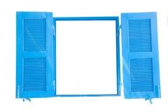 Les fenêtres en bois bleues s'ouvrent d'isolement Photo libre de droits