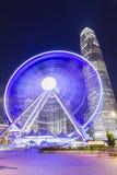 Les ferries roulent en Hong Kong la nuit image libre de droits