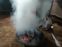 Les feux blancs de fumée photos libres de droits