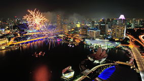 Les feux d'artifice affichent au compartiment de marina pendant le NDP 2012 Photo stock