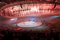 Les feux d'artifice magnifiques : la septième répétition nationale de cérémonie d'ouverture de jeux de ville Photo libre de droits