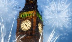 les feux d'artifice montrent autour de Big Ben Photo stock