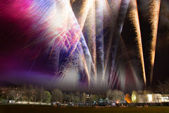 Les feux d'artifice montrent le composé Images libres de droits