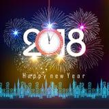 Les feux d'artifice montrent pendant la bonne année 2018 au-dessus de la ville avec l'horloge illustration de vecteur
