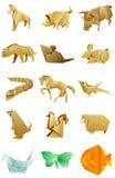 Les figures de l'origami d'animaux ont placé sur le fond blanc Image stock
