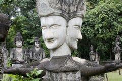 les figurines de Bouddha ont effectué à p la Thaïlande en pierre Image libre de droits