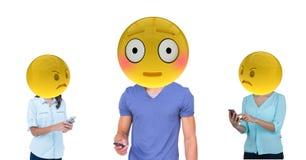 Les filles attrapent le mensonge de garçon Emoji font face Images stock