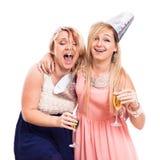Les filles ivres enthousiastes célèbrent Photographie stock