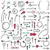 Les flèches d'isolement de griffonnage ont placé rouge, noir et vert, tiré par la main Illustration Stock