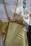 Les flèches se sont levées dans le tremblement du ` s de cupidon Photographie stock libre de droits