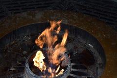 Les flammes du feu éternel Photographie stock